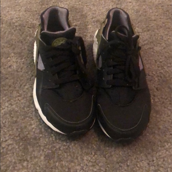 Nike Shoes | Huaraches Sneaker Youth